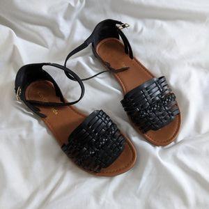 Huarache-style sandals *FAUX LEATHER*